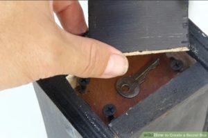 Boîte secrète en bois